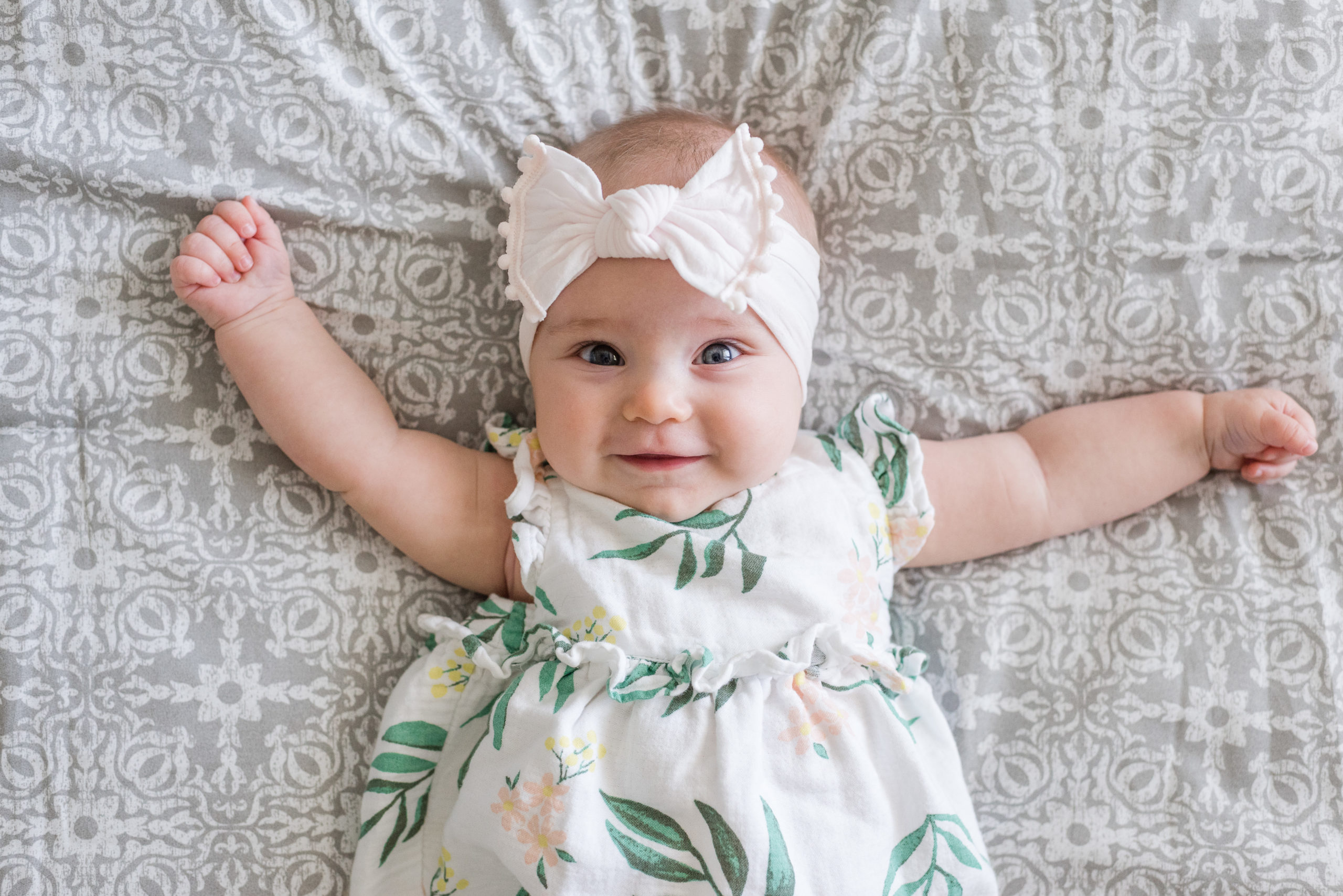 Olivia 4 Months Old - Sweet Williams Photography is a lifestyle, engagement, and wedding photographer serving the Nashville, Tennessee area and destination locations.