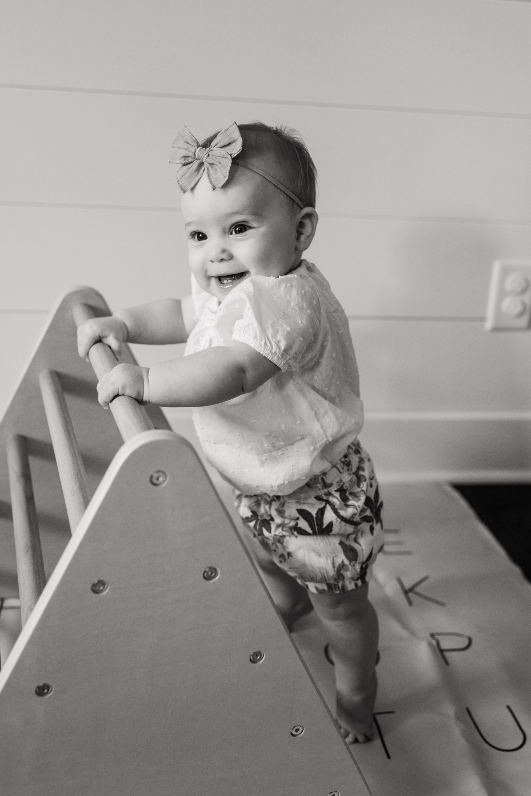 Olivia 8 Months Old - Sweet Williams Photography is a lifestyle, engagement, and wedding photographer serving the Nashville, Tennessee area, and destination locations.